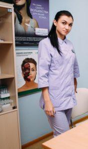Поздравляем с Днем рождения нашу коллегу Екатерину Златьеву 0170.jpg.pagespeed.ce .BdV8rS43k9 177x300 - клиника VIdnova
