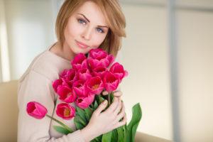 Готовимся к 8 Марта: Топ-5 обязательных процедур 2 39 300x200 - клиника VIdnova