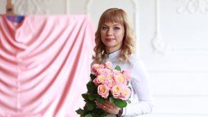 Поздравляем с Днем рождения Работенко Светлану Анатольевну! DR 3 300x169 - клиника VIdnova